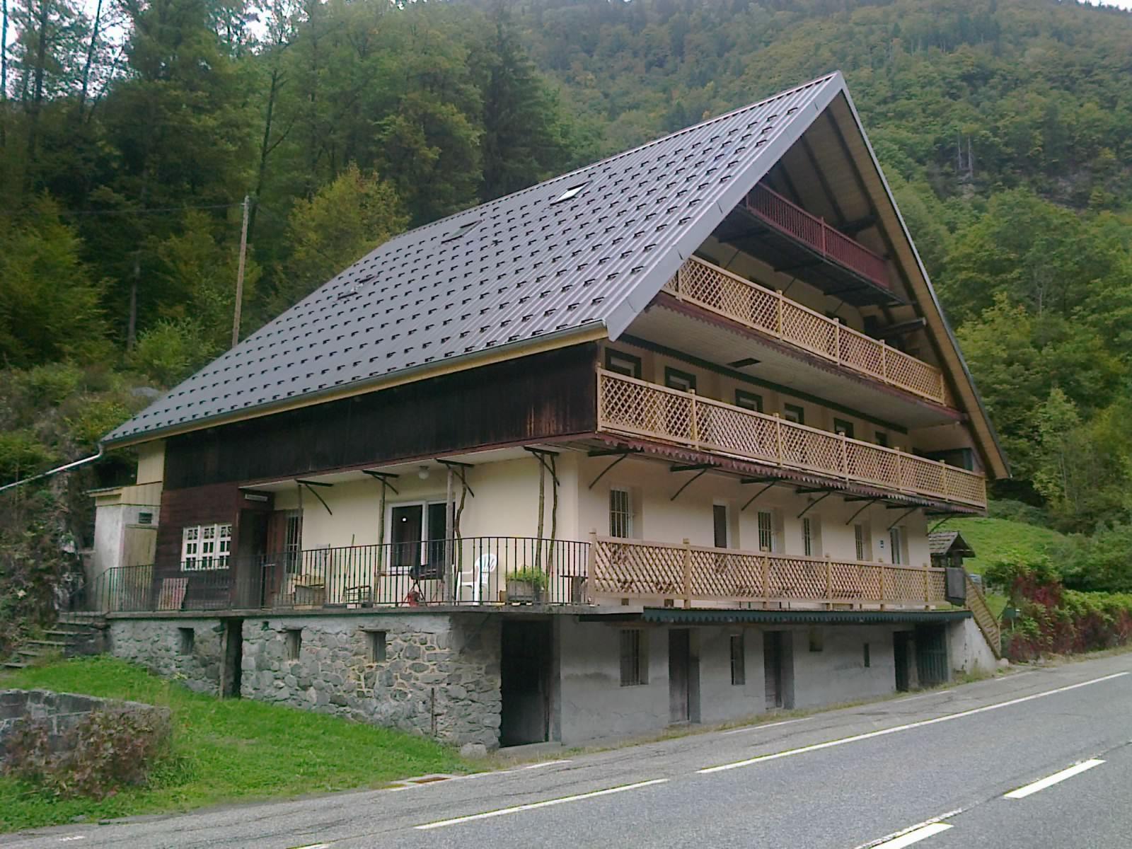 Auberge toiture terminé